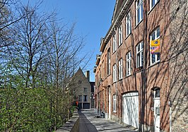 De Artoisstraat, met links de Speelmansrei