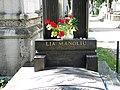 Bucuresti, Romania, Cimitirul Bellu Ortodox - Serban Voda (Mormantul sportivei Lia Manoliu) (detaliu).JPG
