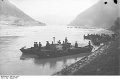 Engineers building a bridge across the Danube during a manoeuvre in 1931