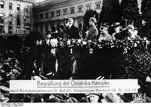 Walther Reinhardt - Walther Reinhardt (2) at a welcoming ceremony for German soldiers returned from the hostilities in German East Africa, Berlin on 3 March 1919