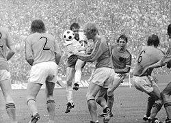 6e071c5745 Lance do jogo Países Baixos x Alemanha Oriental