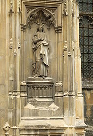 Canterbury Cathedral statue St Bertha.JPG