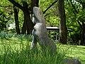 Carl Gutknecht (1878–1970) Bildhauer. Skulptur, Kniende, von 1945, Universitätsspital-Garten, Basel (4).jpg