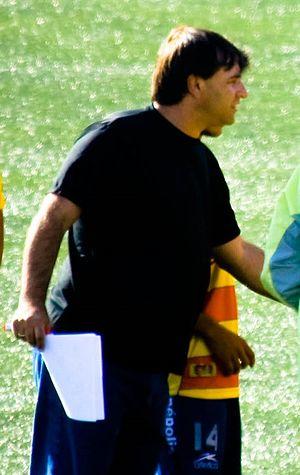 Carlos Bustos - Carlos Bustos durante su tiempo como entrenador de Monarcas Morelia.