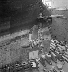 Cecil Beaton Photographs- Tyneside Shipyards, 1943 DB204.jpg