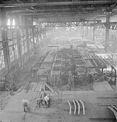 Cecil Beaton Photographs- Tyneside Shipyards, 1943 DB4.jpg