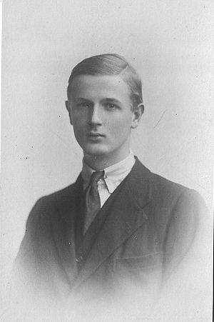 Cecil Harmsworth King - Cecil King, circa 19 years old