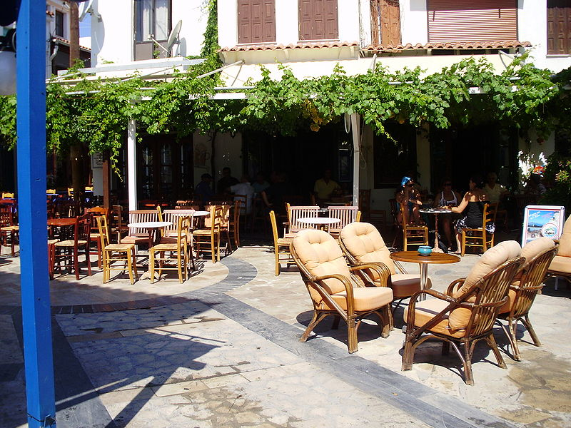 File:Central Platia Kokkari Samos Greece.JPG