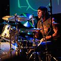 Chad Smith (ici en 2007) rejoint le groupe quelques semaines avant l'enregistrement de Mother's Milk.