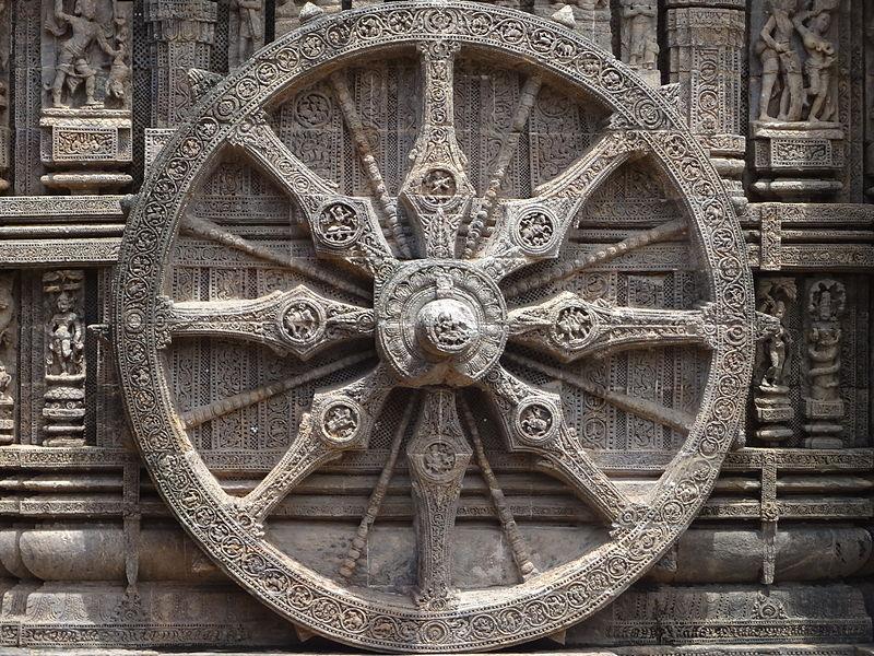 800px-Chariot_wheel_of_Konark_temple.JPG