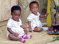 Children in Togo (21786295071).jpg