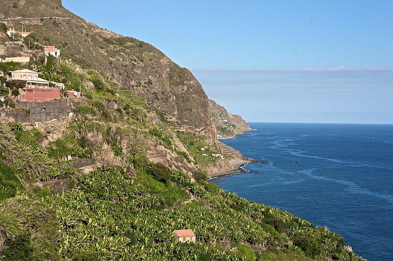 File:Coast of Calheta, Madeira.jpg