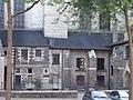 Construcciones en un lateral de la Catedral de Angers.JPG