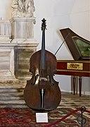 Contrabbasso di Carlo Bergonzi liutaio a Cremona nel 1733.jpg