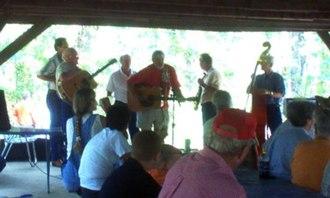 Key Underwood Coon Dog Memorial Graveyard - Travis Wammack entertains the crowd at the 2007 Labor Day Celebration
