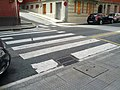 Corner crosswalks with no curb ramps or anything (18813162815).jpg