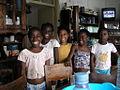 Crianças em São Tomé e Príncipe.jpg