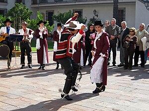 Fiestas Patrias (Chile) - People dancing cueca in the Palace of La Moneda.