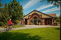 Cycliste à la Vélogare du Grand-Tronc.jpg