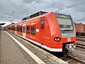 DB 424 032 S-Bahn Hannover Nienburg 150430.jpg