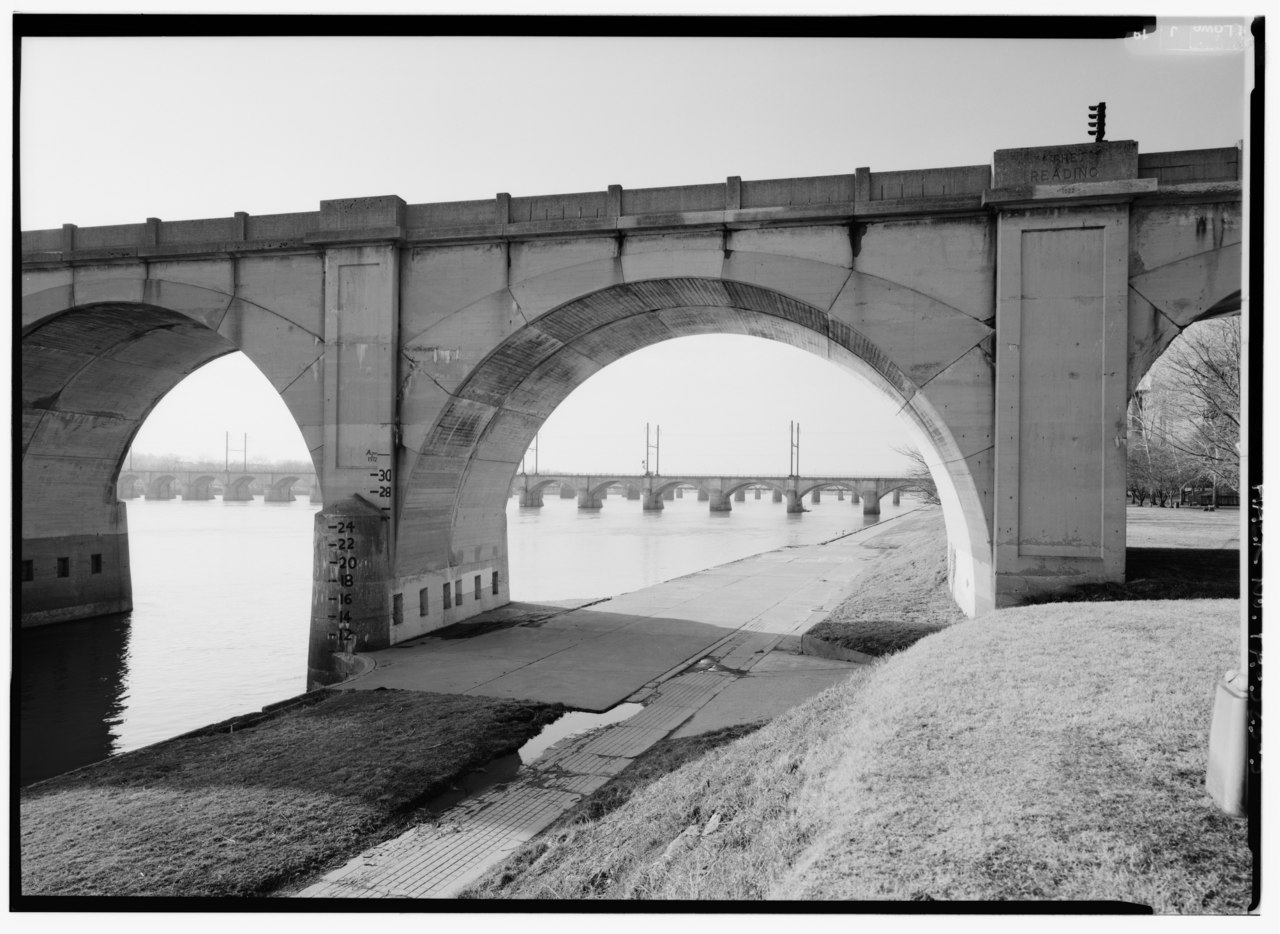 file detail view of one arch span  looking nw along east