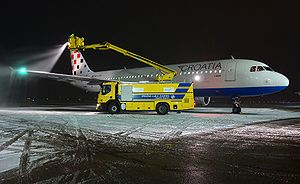 Aerotoxic syndrome - An Airbus A-320 being de-iced before take-off