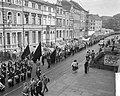 Demonstratie van Duitse mijnwerkers in Bonn tegen sluiting van mijnen in het Roe, Bestanddeelnr 910-7033.jpg
