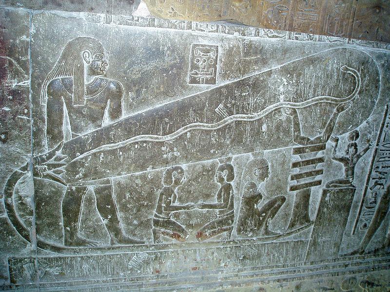 http://upload.wikimedia.org/wikipedia/commons/thumb/4/42/Dendera03.jpg/800px-Dendera03.jpg