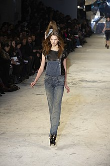 Diesel Black Gold Fall-Winter 2010 112.jpg