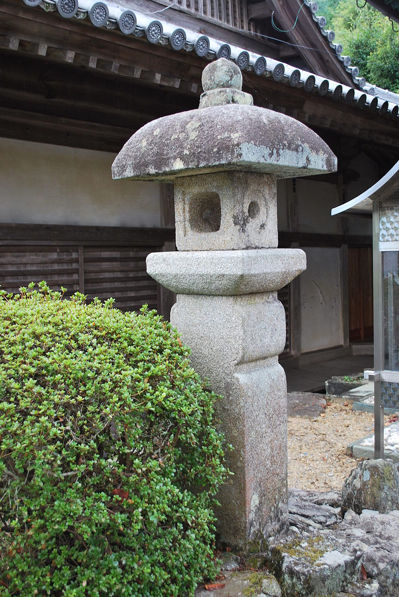 https://upload.wikimedia.org/wikipedia/commons/thumb/4/42/Dogakuji_08.JPG/800px-Dogakuji_08.JPG