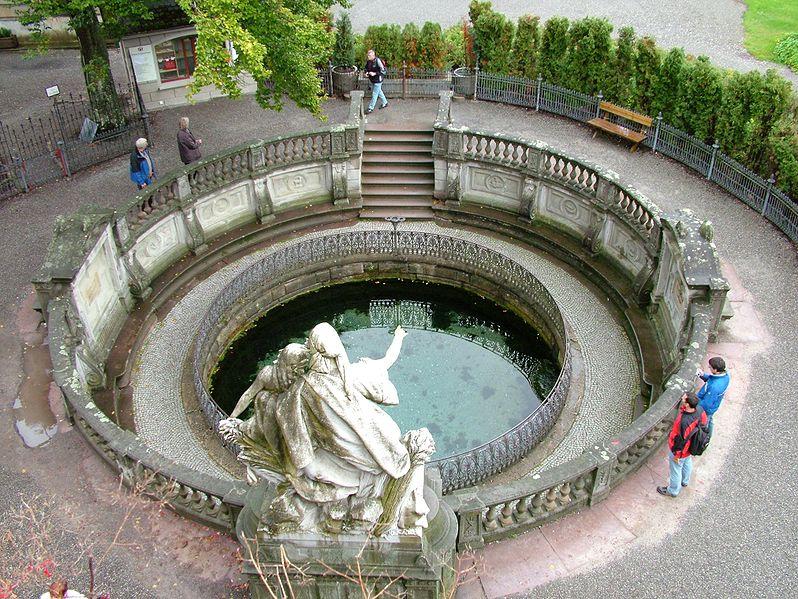 File:Donaueschingen Donauquelle.jpg