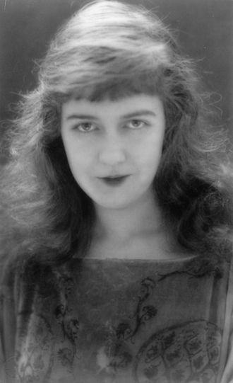 Dorothy Gish - Dorothy Gish c. 1920