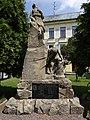 Doudleby nad Orlicí - pomník padlým u školy.jpg