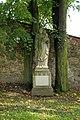 Dukovany - socha sv. Josefa v zámeckém parku.jpg