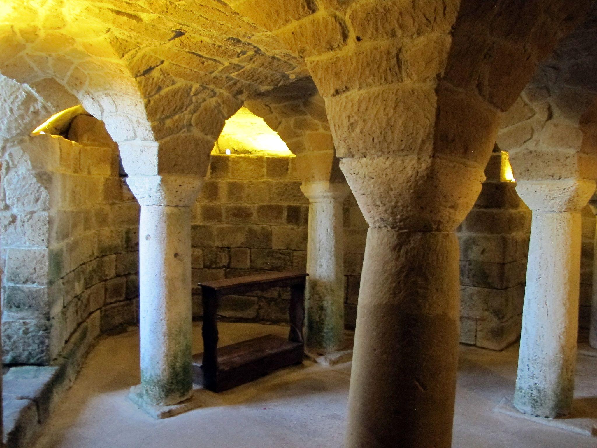 Duomo di Sovana, int., cripta