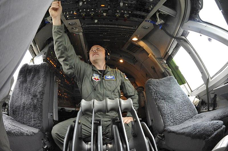 File:E-4B cockpit.jpg