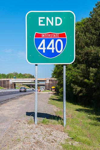 Interstate 440 (North Carolina) - End I-440 sign at eastern terminus