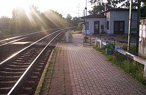 English: The train track at Ecser Magyar: A va...
