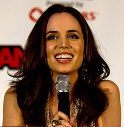 Eliza Dushku Fan Expo 2011, 3.jpg