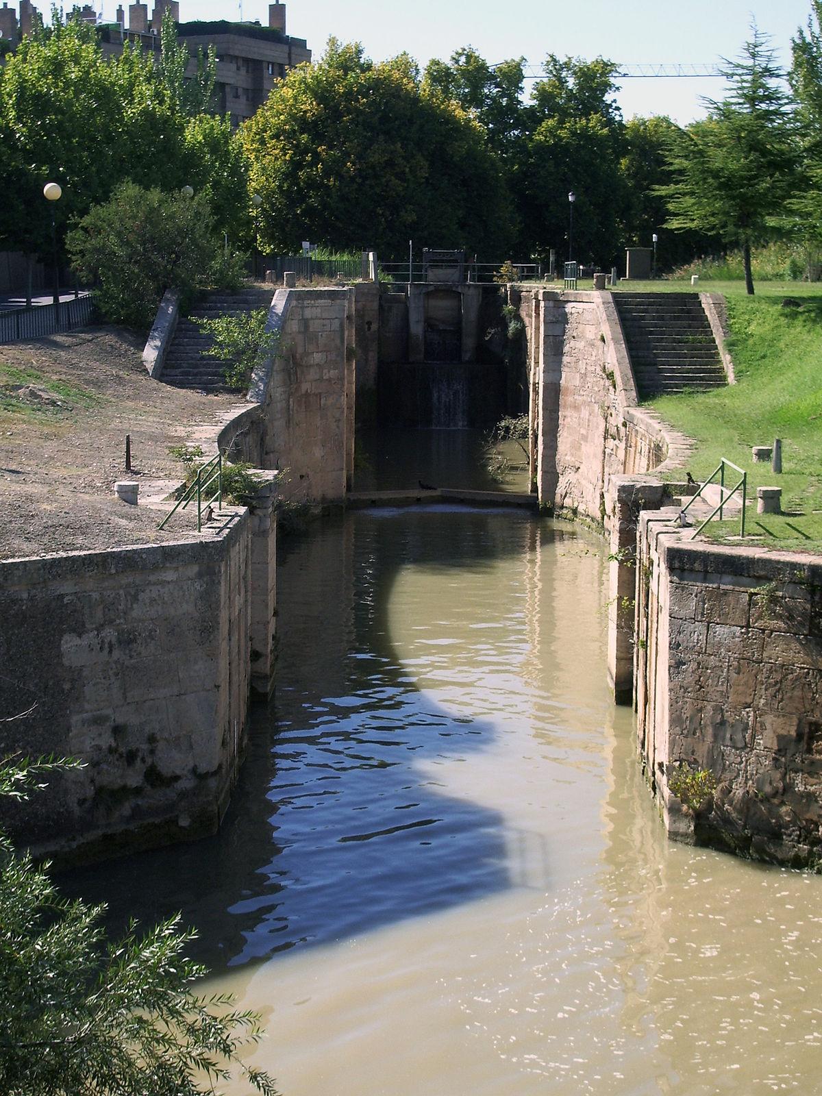Canal imperial de arag n wikipedia la enciclopedia libre for Lagunas artificiales construccion
