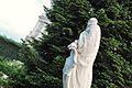 Estatua en Jardines de Sabatini (3523444666).jpg