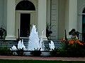 Executive Mansion Foutain - panoramio.jpg