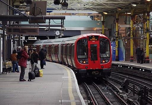 Farringdon station MMB 23 S-Stock