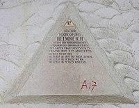 Feuerhalle Simmering - Arkadenhof (Abteilung ALI) - Egon Helmreich 02.jpg