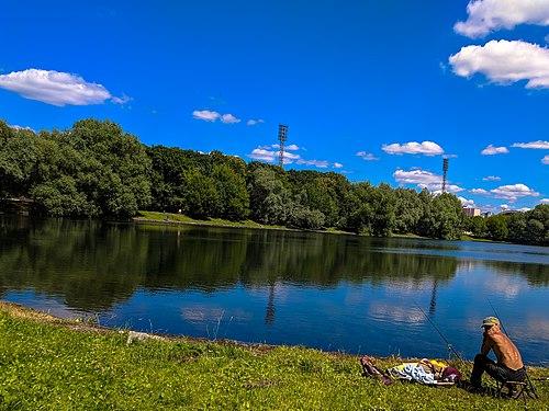 Fishing in Prud sadki lake.jpeg
