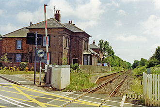 Flamborough railway station - The station and crossing in 1997