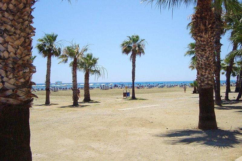 File:Foinikoudes beach in Larnaca Republic of Cyprus.jpg