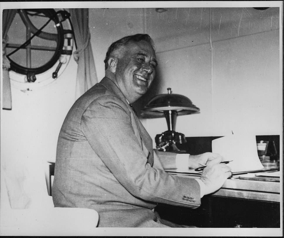Franklin D. Roosevelt on the U.S.S. Houston in Charleston, South Carolina - NARA - 195311