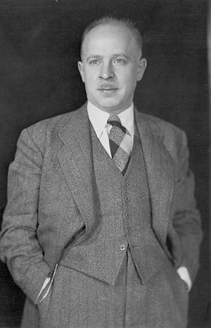 Fred Rose (politician) - Image: Fred Rose standing