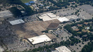 The Oaks Mall - Image: Gainesville Oaks Mall